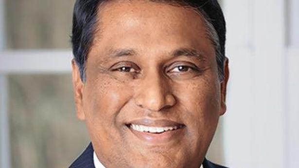 HCL Tech net rises 9.9%, sees double-digit growth