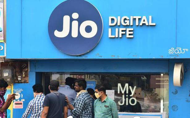 VIL, Airtel lose over 59 lakh mobile users in June; Jio adds 45 lakh: Trai data