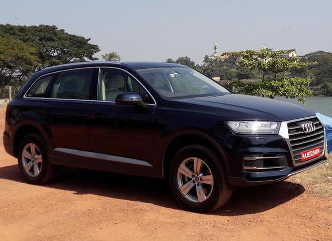 Audi Launches Petrol Version Of Q Price Starts Lakh - Audi q7 car price