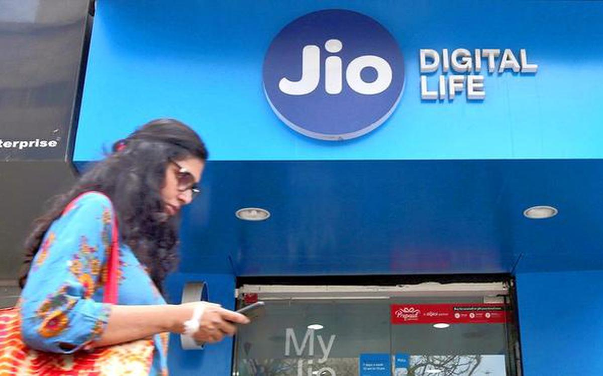 Reliance Jio to charge users 6 paise per minute for voice calls to other  mobile networks - The Hindu
