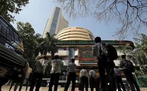 Sensex ends 95 points higher; HCL Tech up 3%