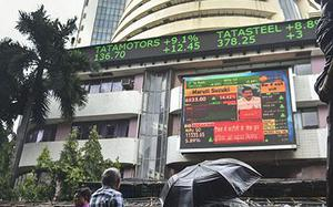Banking stocks lift indices