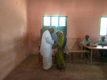 Karnataka Lok Sabha elections: 61 84% polling till 5 p m