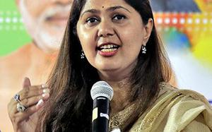 Pankaja stirs trouble for remarks on Constitution