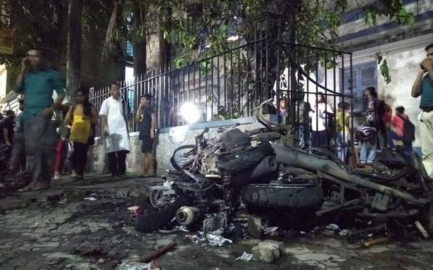 ECI curtails West Bengal campaigning after Kolkata violence