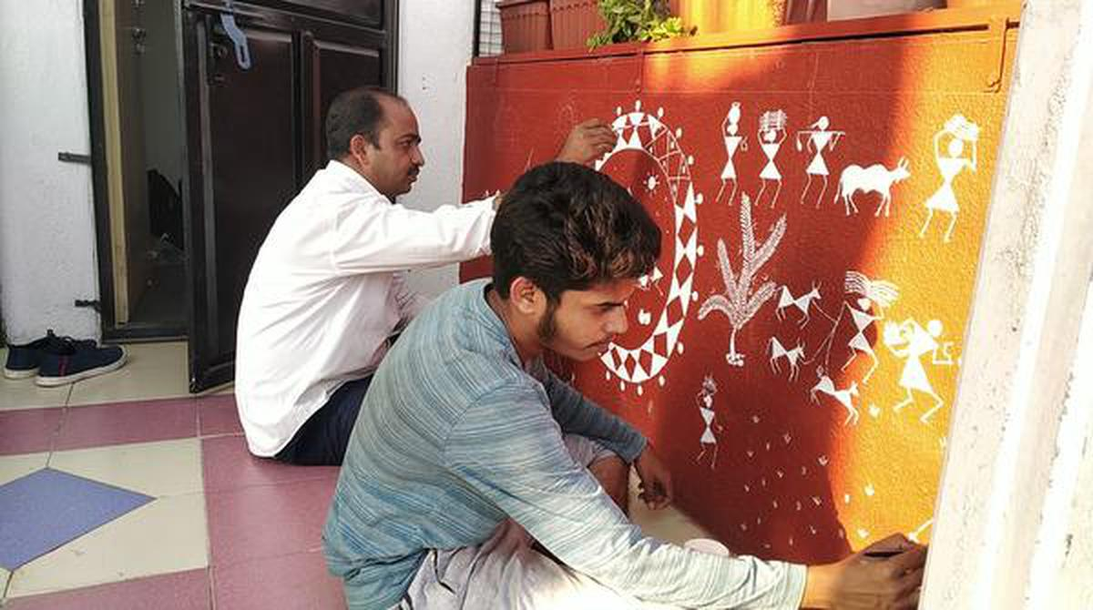 Stick Figure Stories Warli Art Beautifies Hyderabad And Also Creates Awareness On Important Issues The Hindu