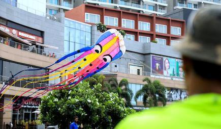 Want to build modern kites? KiteLife Foundation teaches you how