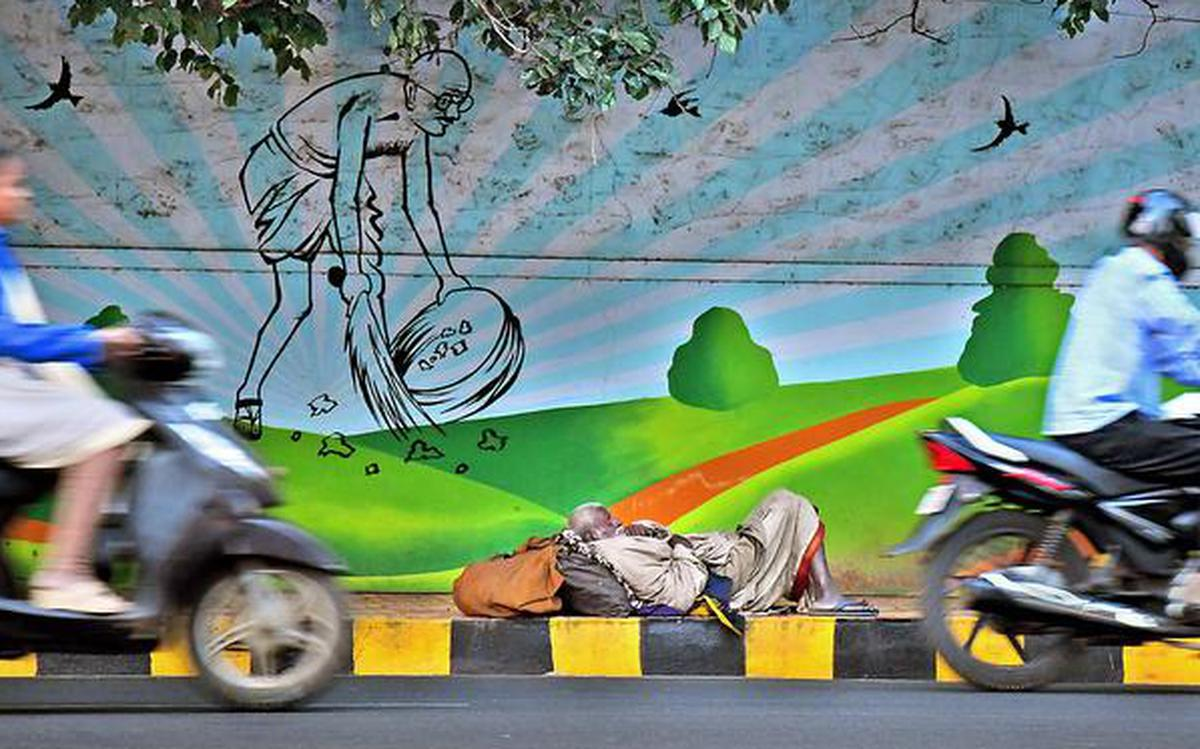 Painting Visakhapatnam one wall at a time - The Hindu