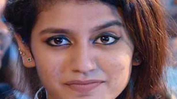Notice served to Malayalam director Omar Lulu over 'Manikya Malaraya Poovi' song