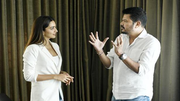 Kiara Advani to romance Ram Charan in Shankar's film