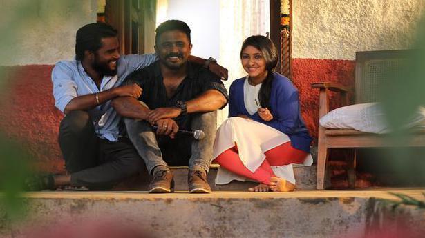 Ramenahalli Jagannath turns director with Kannada film 'Hondisi Bareyiri'
