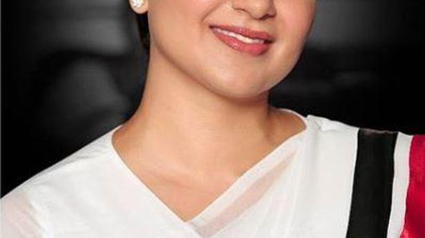Kangana Ranaut's 'Thalaivi' look revealed on Jayalalithaa's birth anniversary