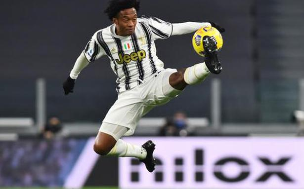 Juan Cuadrado becomes second Juventus player to test positive for COVID-19