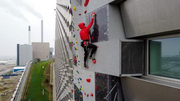 Watch | Climbing heights in Copenhagen