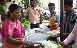 This single mother's homemade meals are a hit in Chennai