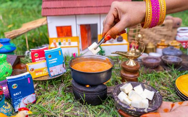 Hungry for mini rava dosa or fish fry? Head to the Miniature Cooking Show
