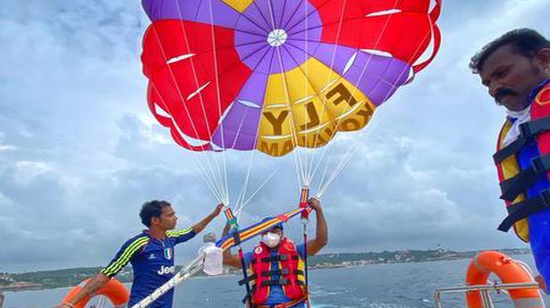 Parasailing parachutes into Thiruvananthapuram