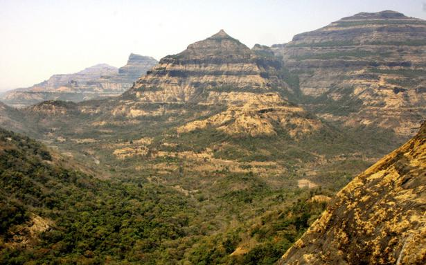 Peninsular Plateau (Deccan Plateau) | Plateaus in the Peninsular Region