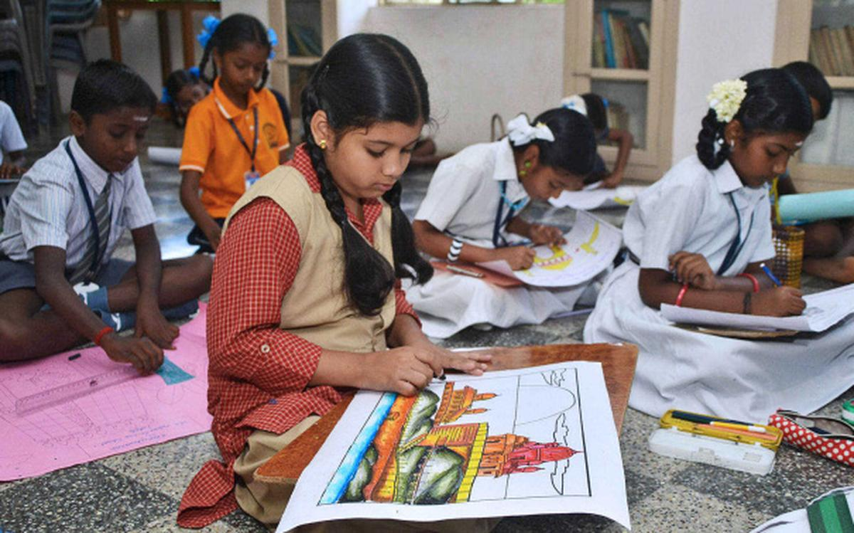 Students display talent at painting contest - The Hindu