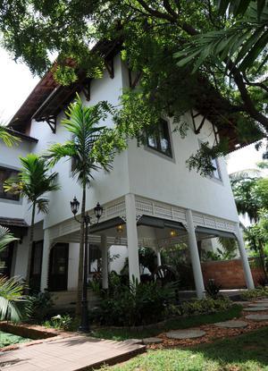 Kerala house garden pictures
