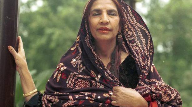 legendary folk singer reshma of lambi judai fame passes