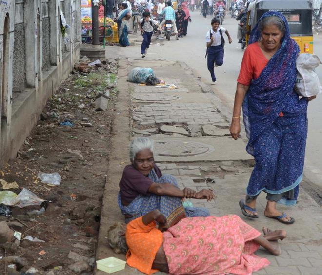 Disabled Many Of The Senior Citizens Rescued From The Streets Are In Very Poor Health Photo The Hindu Rains Worsen Plight Of Elderly In Chennai The Hindu