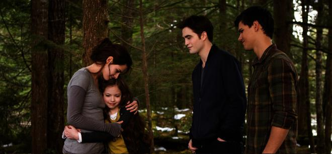 The Cullens the twilight saga: breaking dawn - part 2: when the cullens come