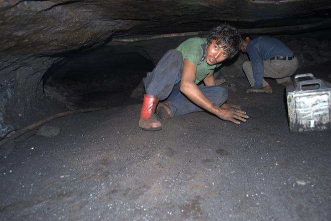 Image result for what is rat Hole Mining tradition