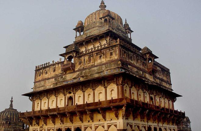 datia mahal a splendid fusion of architecture hyderabad the hindu