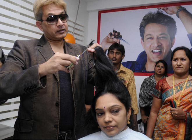 Jawed Habib Opens Haircut Academy Andhra Pradesh The Hindu