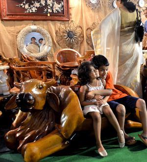 Ghana Teak Wood Furniture Draws Crowds The Hindu