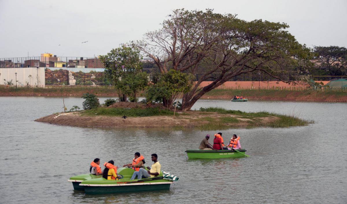 Renovated Chetpet lake (Image courtesy: The Hindu)
