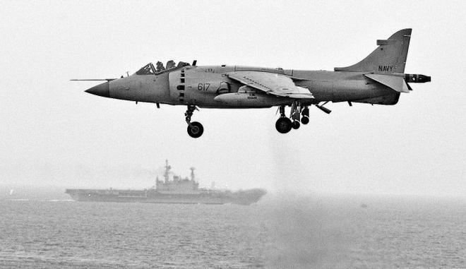 Navy to bid adieu to Sea Harriers on Wednesday