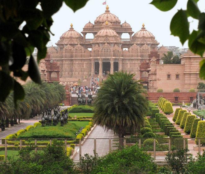 Akshardham the most beloved tourist landmark the hindu crowd pullerthe traditionally styled temple complex attracts thousands of visitors every day altavistaventures Gallery