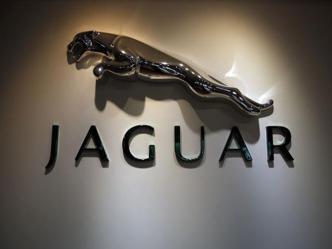 Jaguar Land Rover Launches Updated Xj Saloon In India At Rs 9803