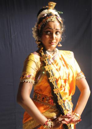 Vilasini natyam is a demanding art form the hindu yasoda thakore of hyderabad performing vilasini natyam photo ch vijaya bhaskar fandeluxe Gallery