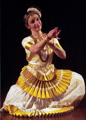 Mohiniyattam a cultivated art form the hindu brigitte chataignier photo sandeep saxena fandeluxe