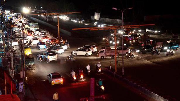 Absence of street lights troubles motorists on Nanjappa Road