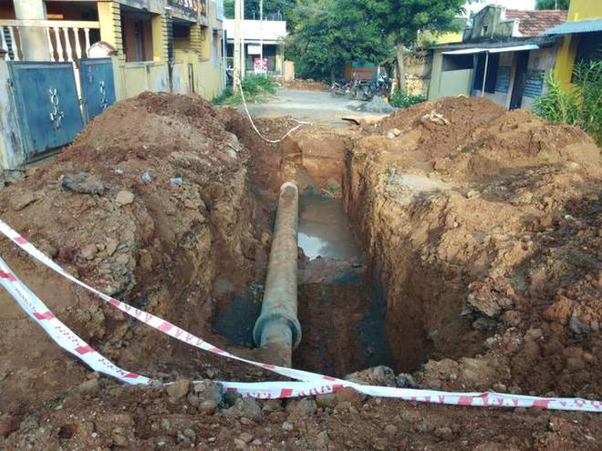 Underground drainage work in progress at Mettupalayam.