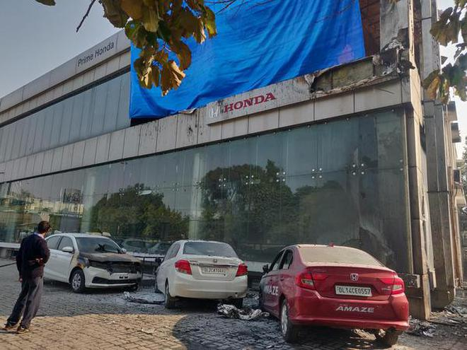 15 Cars Gutted In Showroom Fire The Hindu