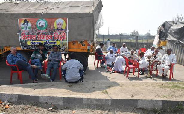 Traders in Delhi High Court for clearing blockade by farmers at Delhi-Haryana border