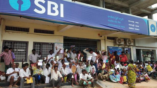 Bank delay denies ryots insurance cover