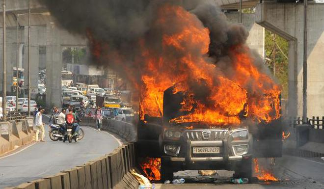 Suv Catches Fire On Busy Tarnaka Flyover The Hindu