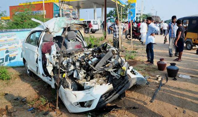 Four of family killed in road accident - The Hindu
