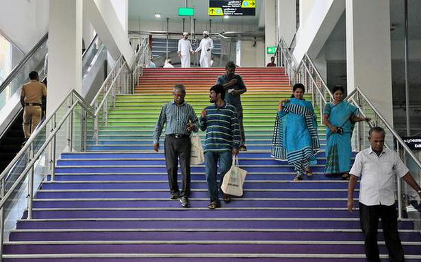 Kochi Metro offers commuters with 50% discount