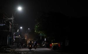 Corporation switches to LED street lights, saves power