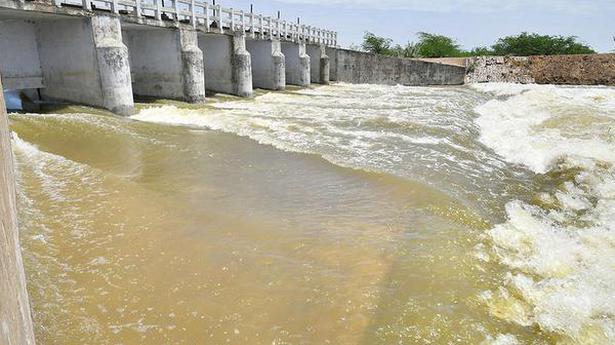 Vaigai water reaches Big Tank