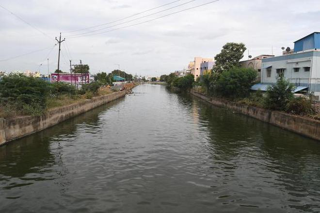 A view of the Uyyakondan canal in Tiruchi.