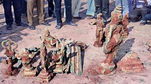 16 metal idols unearthed in Pudukottai