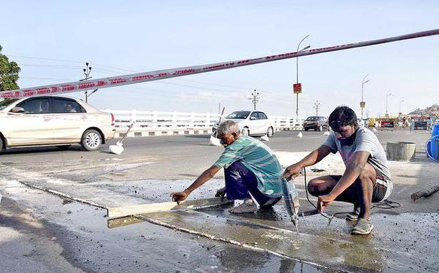 Work to repair expansion joints on Cauvery bridge begins